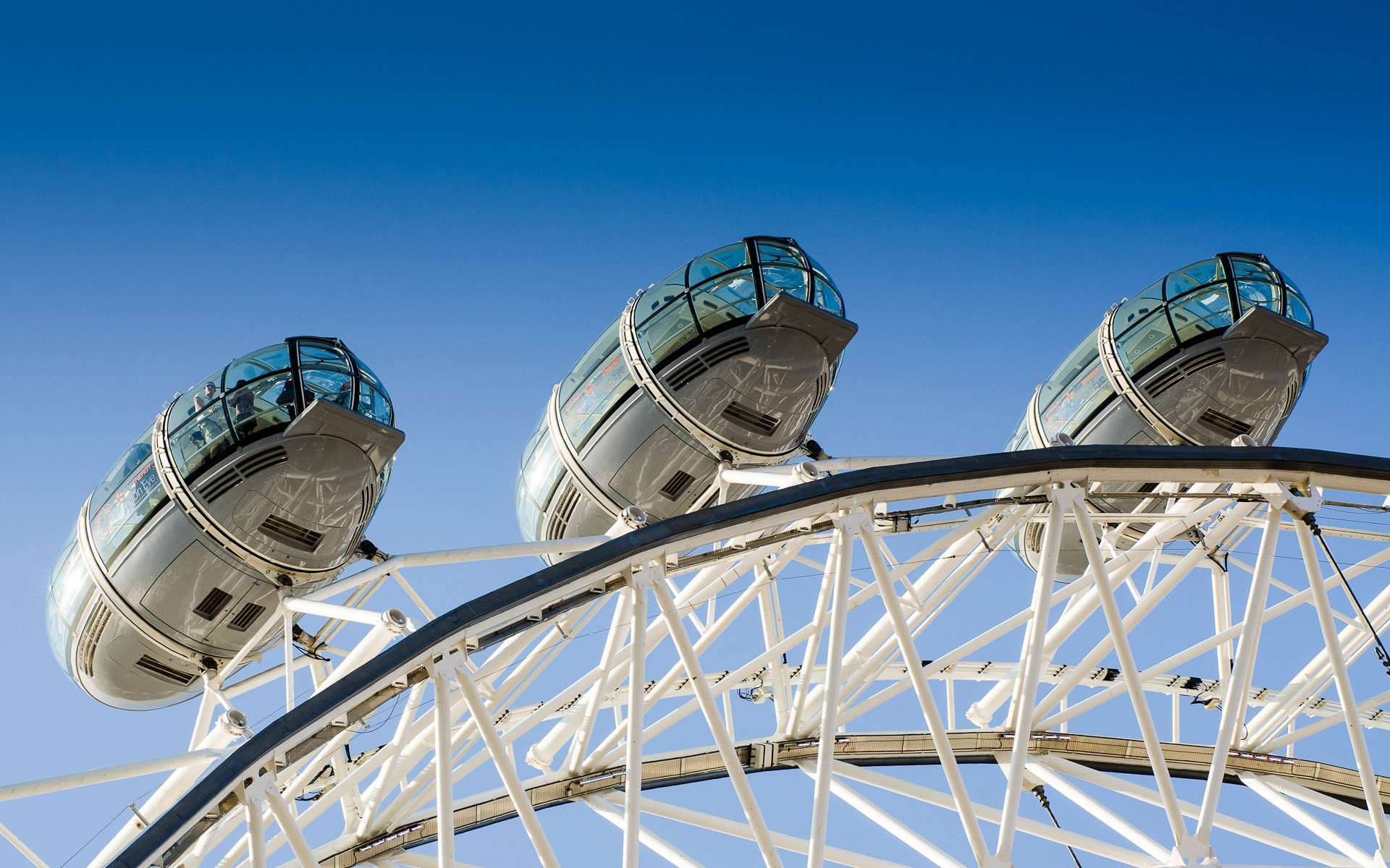3 pods of the London Eye