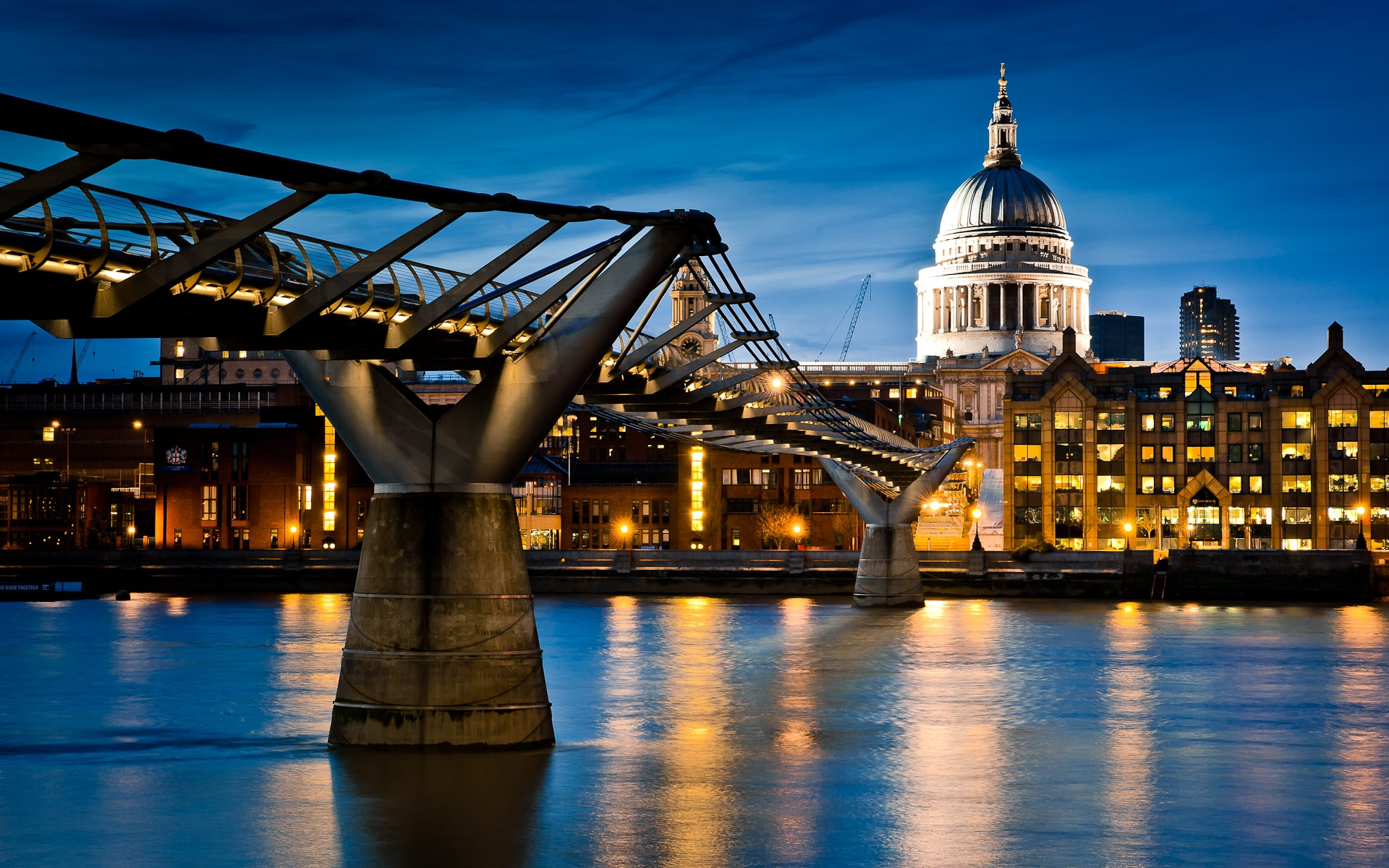 St Paul's cathedral and millennium bridge at night