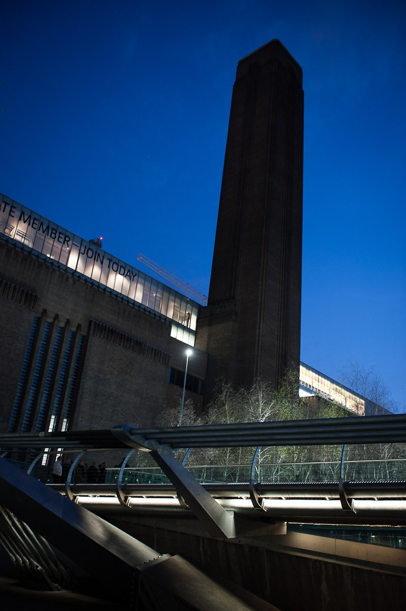 tate modern night