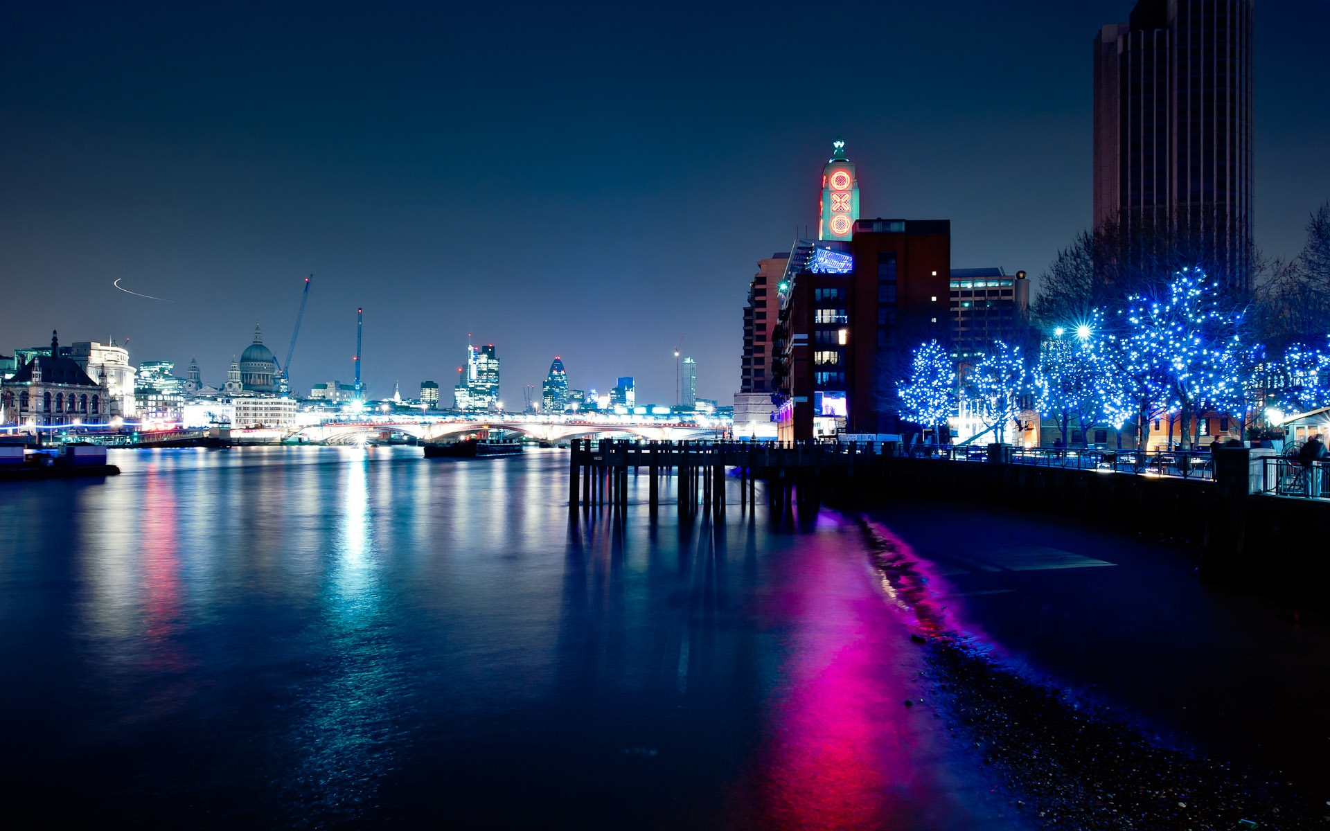 london skyline night cityscape river thames featuring oxo tower